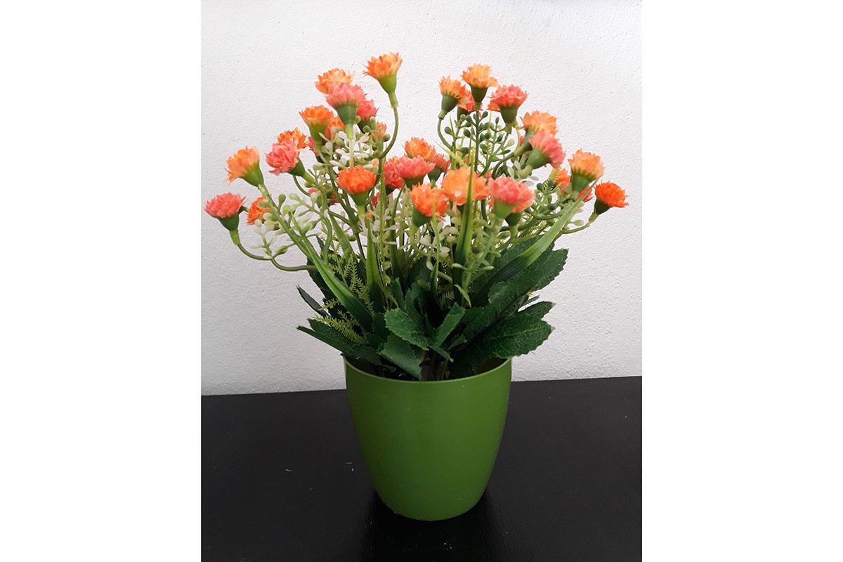 Mini karafiáty v plystovém květináči, barva oranžová