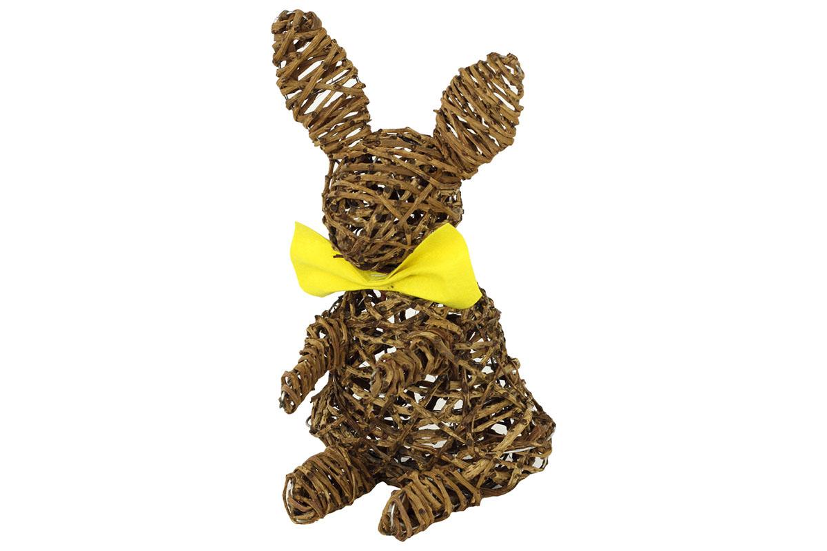 Prútený zajac sediaci
