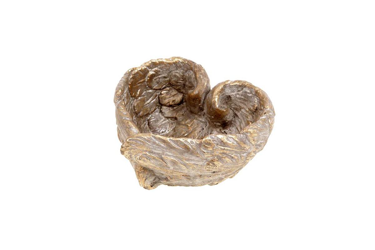 Betónový obal na kvety v tvare srdca
