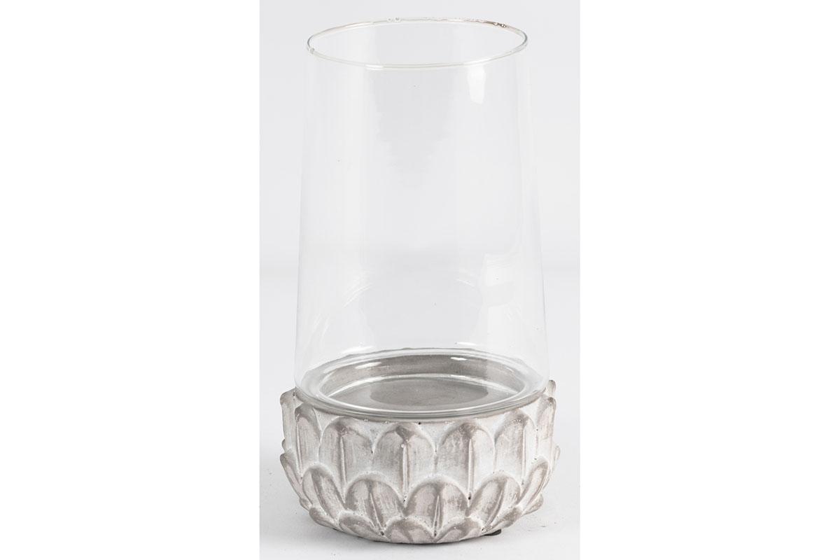 Svícen ze skla a betonu