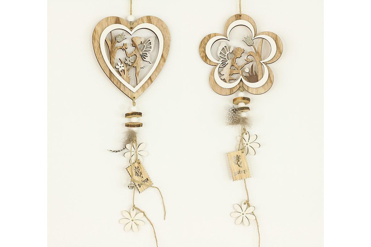 Srdíčko nebo kytička, dřevěná dekorace na pověšení