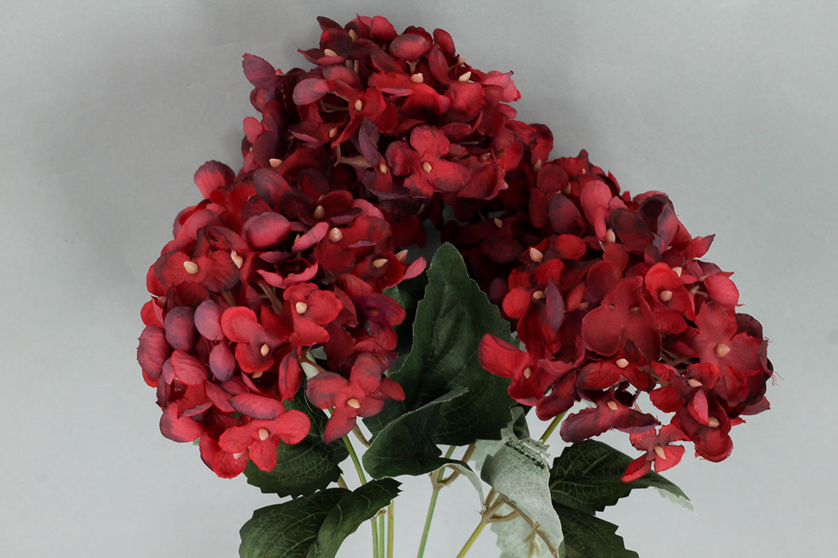 Hortenzie, umělá květina, barva vínová