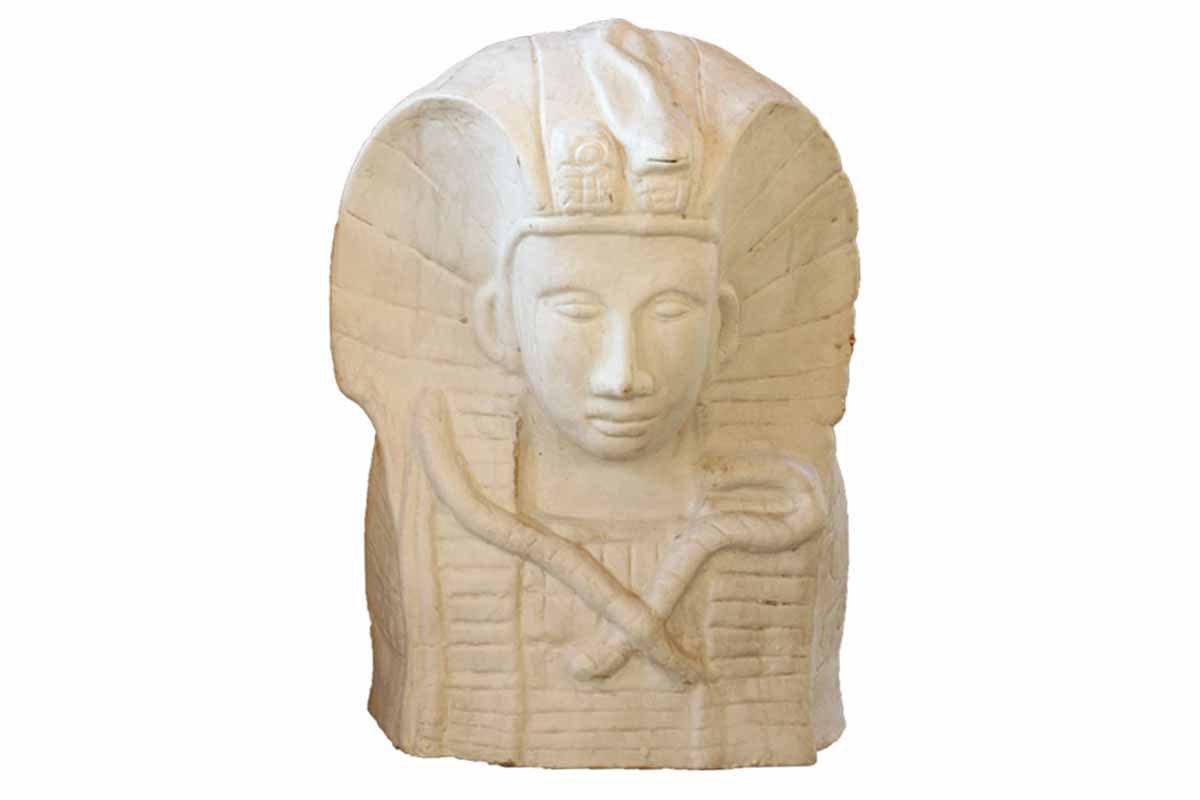 Keramická busta Tutanchamona, barva bílá