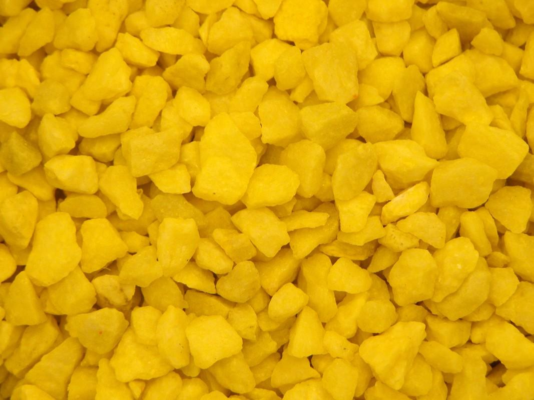 Dekoračný piesok - stredná veľkosť, žltá farba