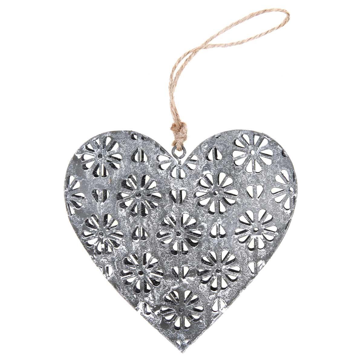 Sdiečko, dekorácia z kovu