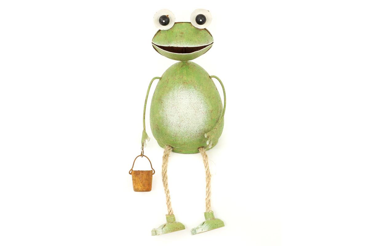Sediaca žaba, kovová dekorácia, nohy zo špagátu