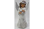 Anděl s kovovými křídly držící srdce nebo ptáčka, barva bílá glitrovaná. Polyres