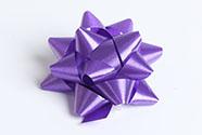 Rosetka samolepící střední, barva fialová
