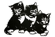 Nástěnný kovový obraz - koťátka, barva černá matná