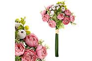 Ranunkulusy v pugetu, růžová barva.