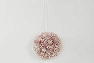 Koule z pěnových růžiček na zavěšení, barva lila, umělá dekorace