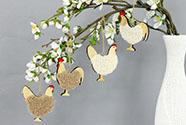 Slepička a kohoutek v sáčku, dekorace ze dřeva a plyše na zavěšení,  cena za 1 s